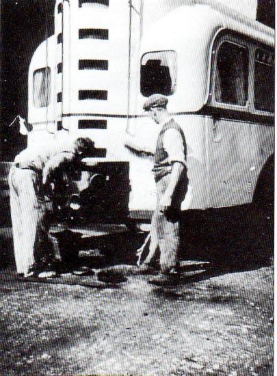 Nettoyage d'un gazogène à bois Imbert Köln sur autobus