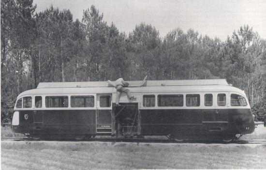 Réseau ferré des Landes de Gascogne - Autorail De Dion Bouton Type or de 1939 n a3 avec son-gazogène à bois Licence Brandt