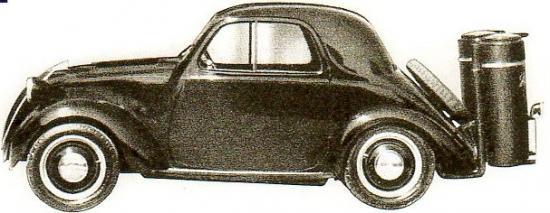 Simca 5 équipée d'un gazogène à charbon de bois